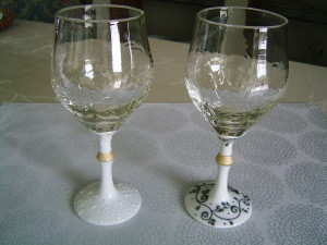 ワイン イッチン草文白 黒